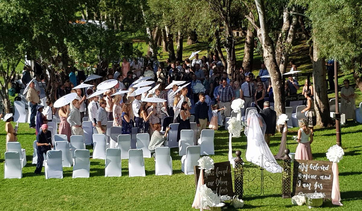 a beautiful wedding at Broadwater, outdoors