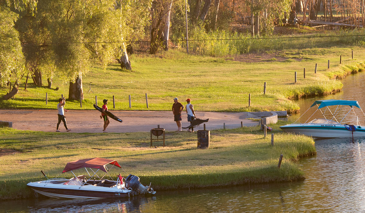 relax with the family and our beautiful view at Broadwater