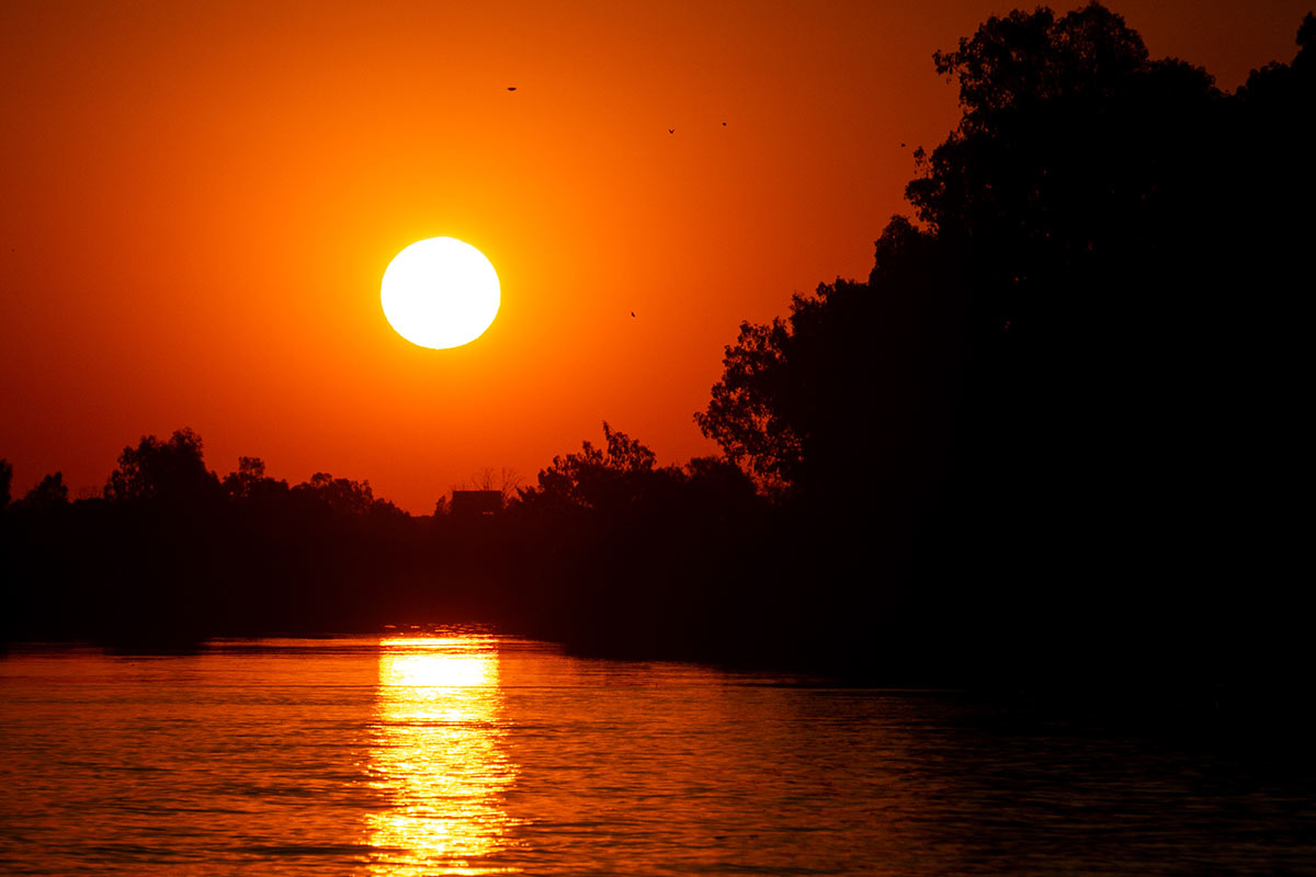 beautiful sunsets overlooking the river